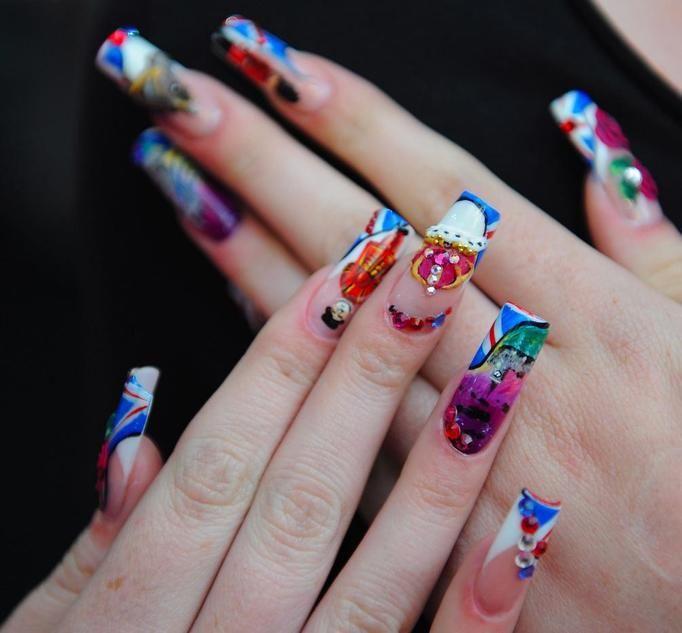dziwny manicure