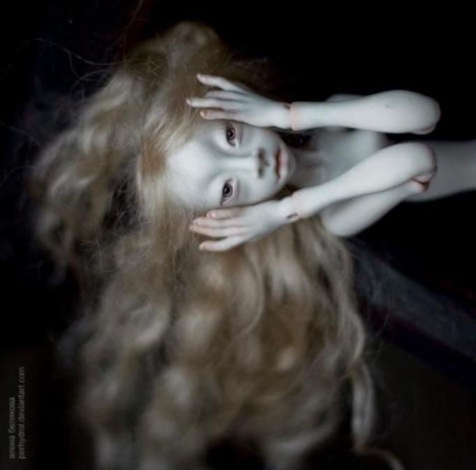 przerażające lalki