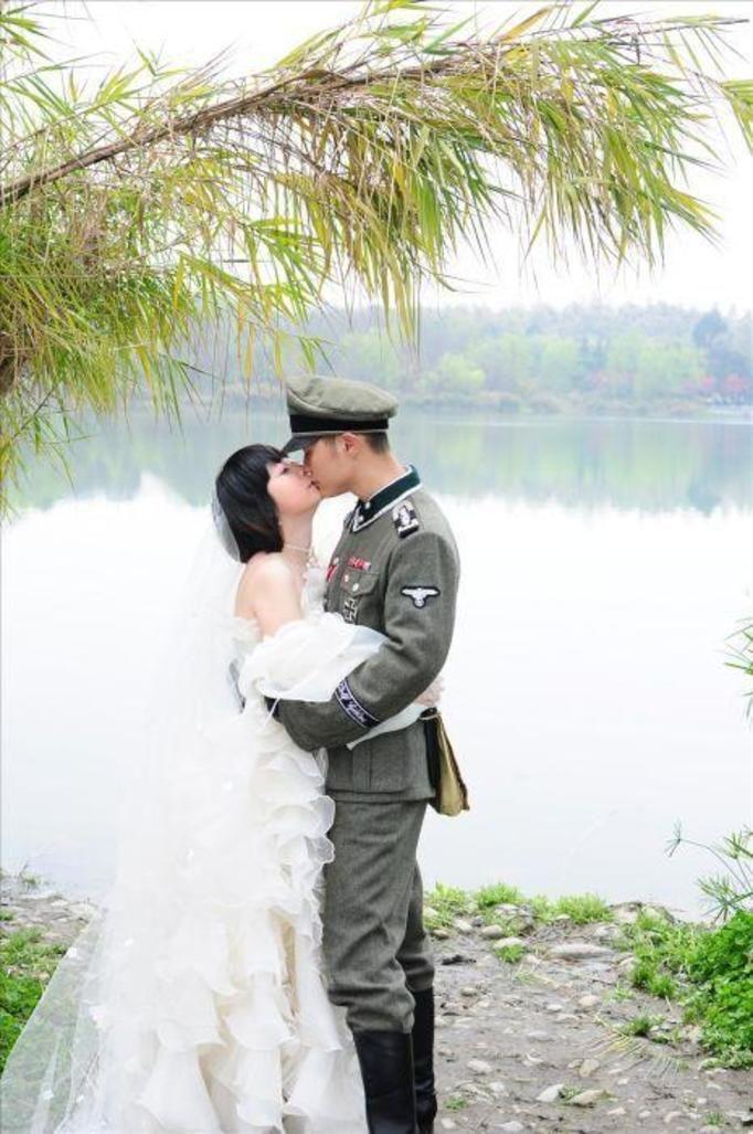 sesja ślubna w nazistowskim stylu