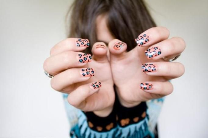 manicure cętki