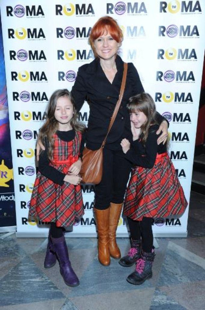 Aleksandra Woźniak z córkami