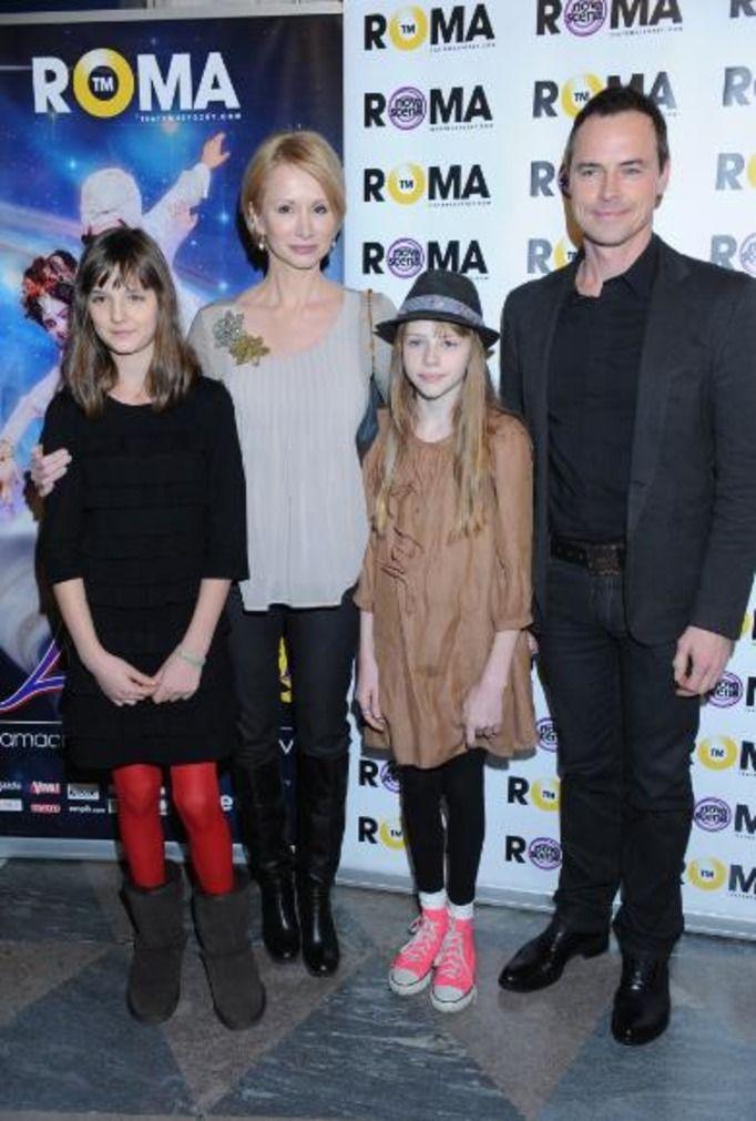 Ewa Gawryluk z córkami