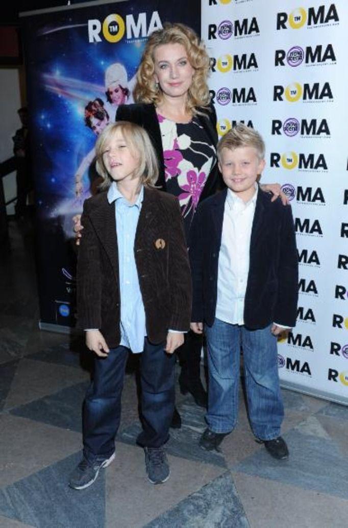 Joanna Trzepiecińska z synami