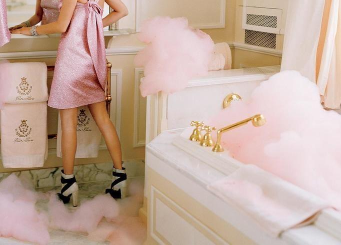 miesiączka kobieta łazienka