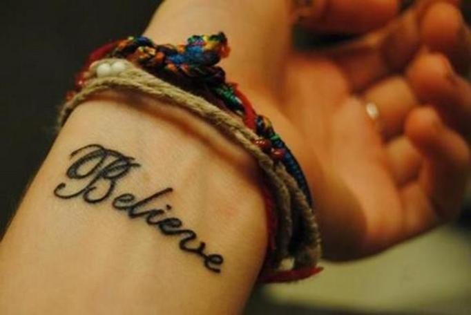 Tatuaże Na Nadgarstkach Wyglądają Naprawdę Hot Mamy