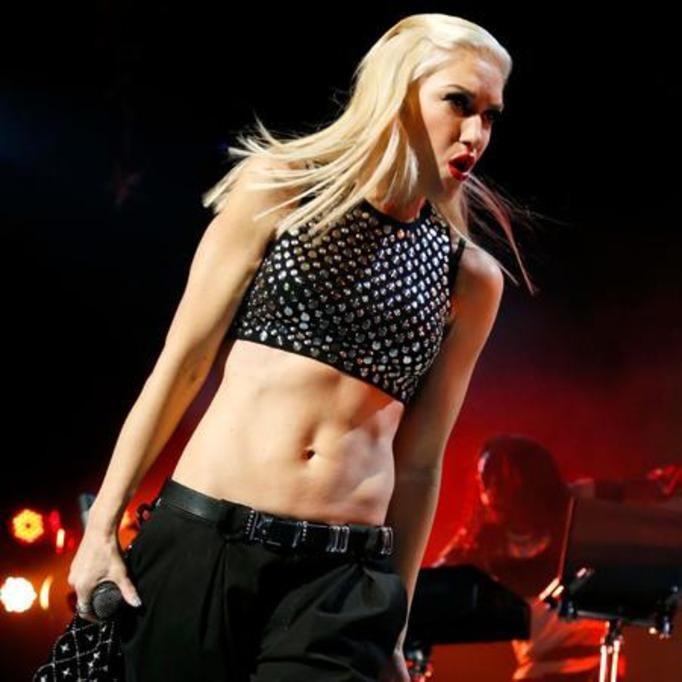 Gwen Stefani płaski brzuch