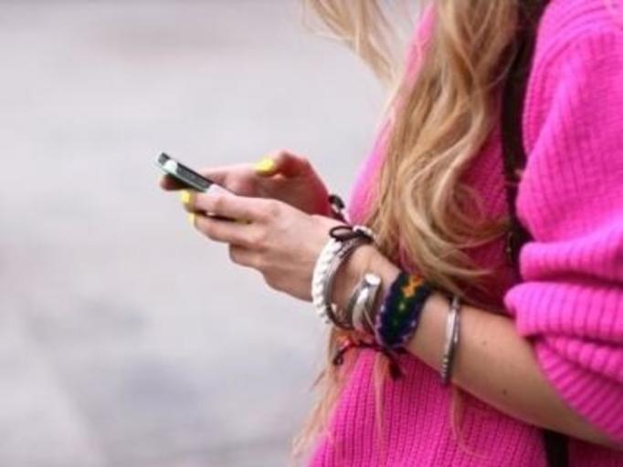 pisanie smsa