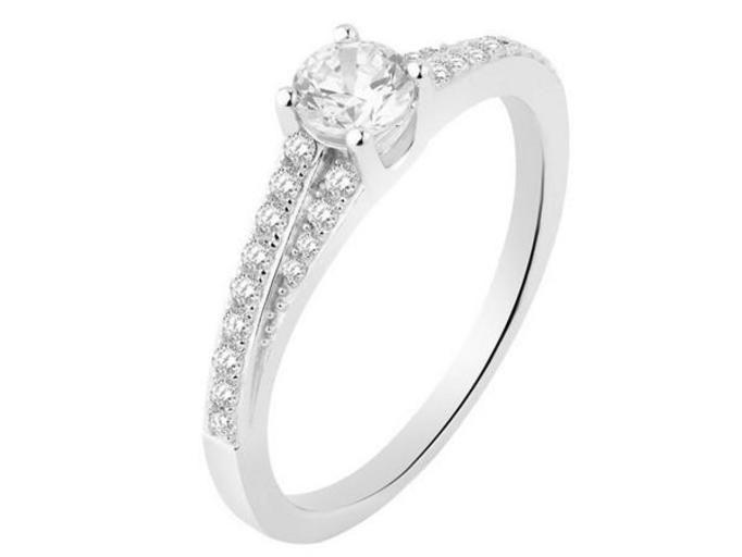srebrne pierścionki Apart
