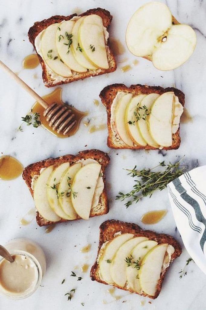 kanapka z jabłkiem