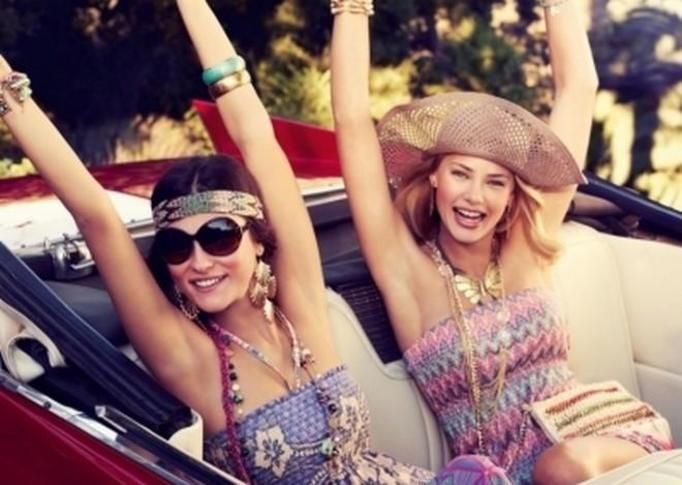 kobiety w samochodzie
