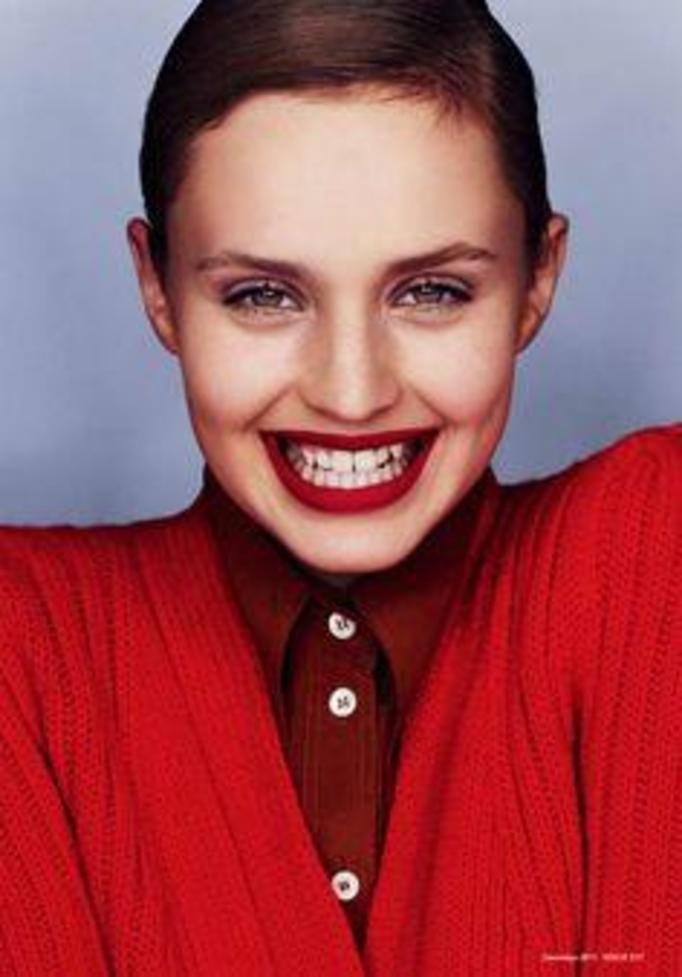 smile vogue model