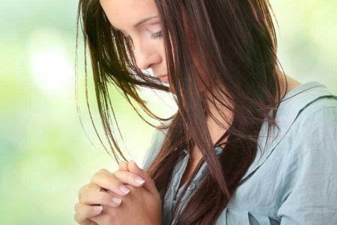 wierząca dziewczyna