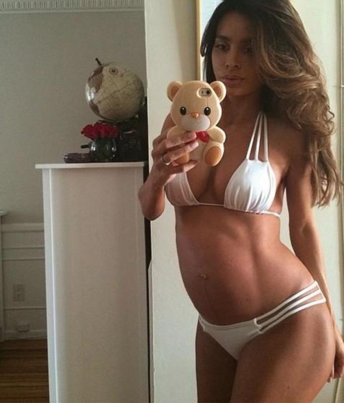 Sarah Stage w 9 miesiącu ciąży