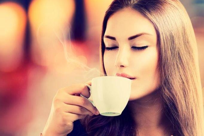 o której godzinie pić kawę