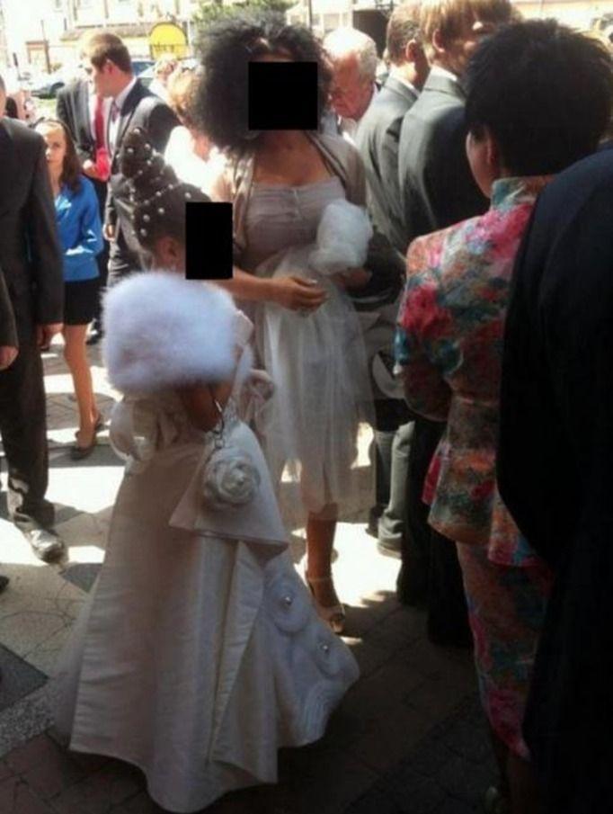 d2fa725e97 Komunia na bogato  Małe suknie ślubne