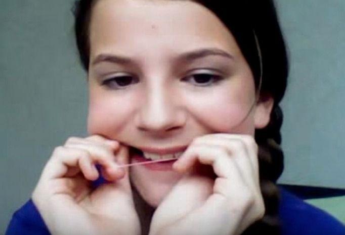 fałszywy aparat na zęby