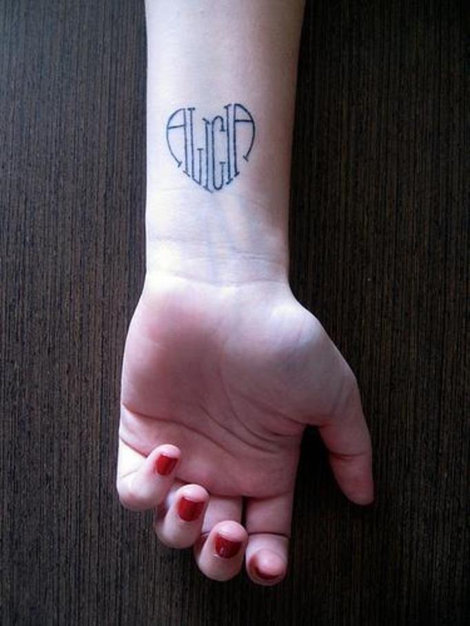 12 Najpiękniejszych Tatuaży Dla Mam Wyglądają Niesamowicie Papilot
