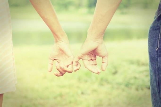 Spotykanie się z kimś, kto nie był w związku