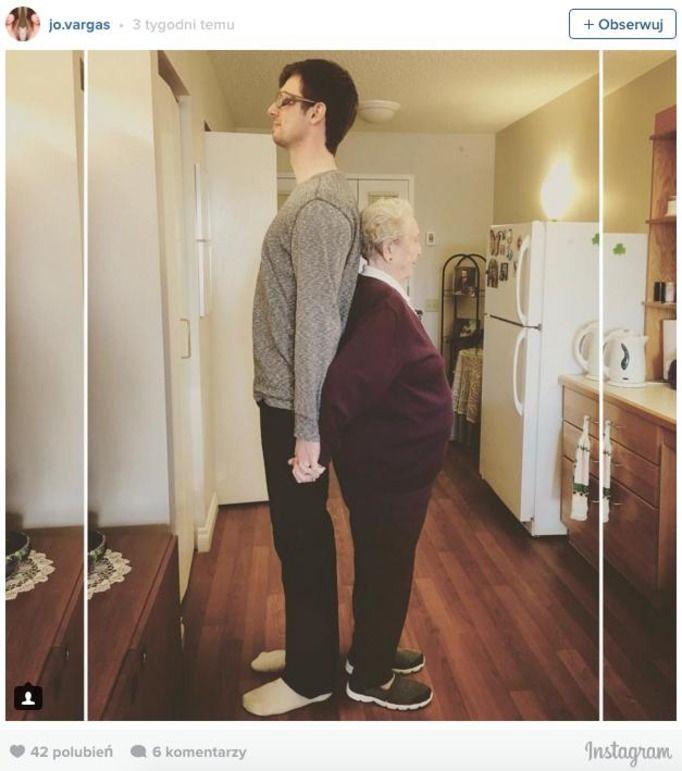 Boryka się z wysokim facetem