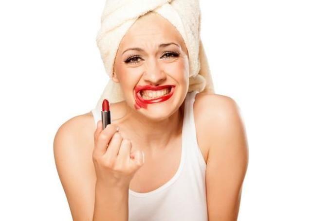 błędy makijażowe