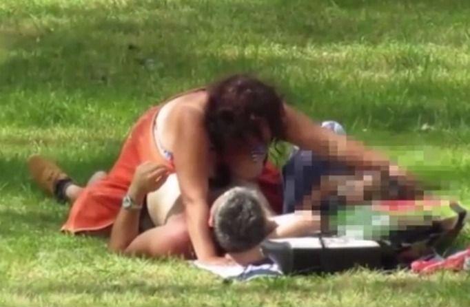 seks w miejscu publicznym
