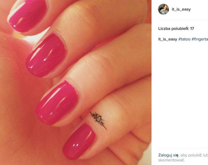 tatuaże na palcach