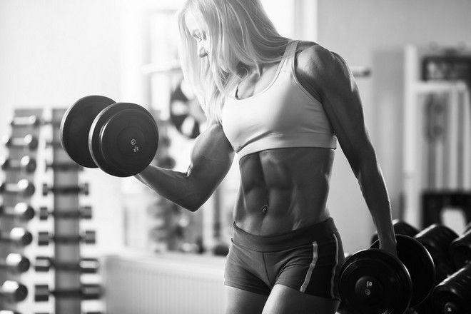 nadmiar męskich hormonów u kobiet