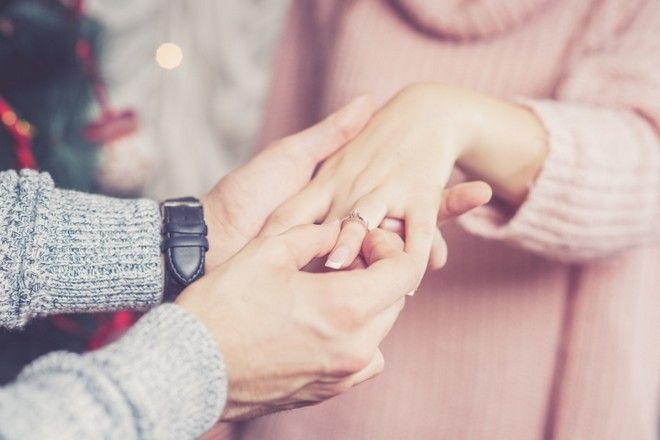 drogi pierścionek zaręczynowy