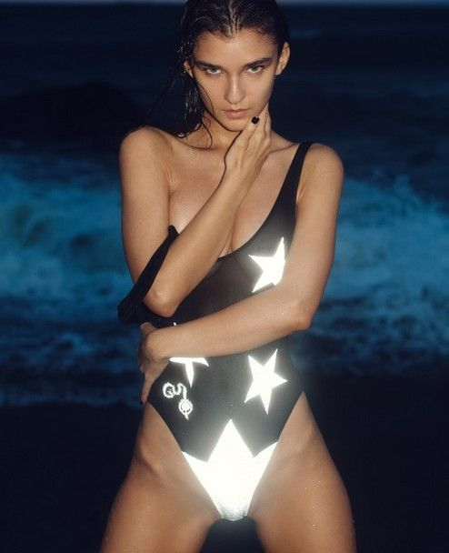 bikini God Save Queens