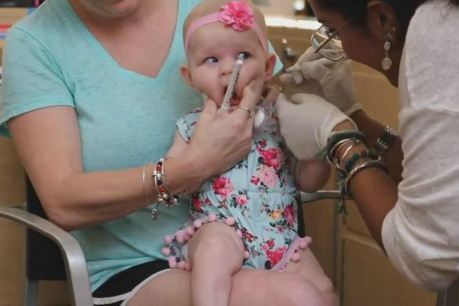 przekłuwanie uszu dziecku