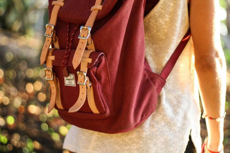 noszenie torby