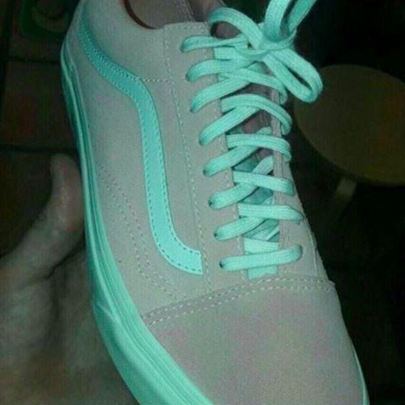 jakiego koloru są te buty