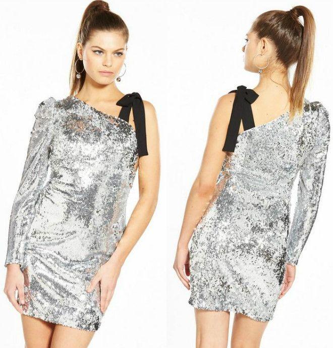 srebrna sukienka z cekinami