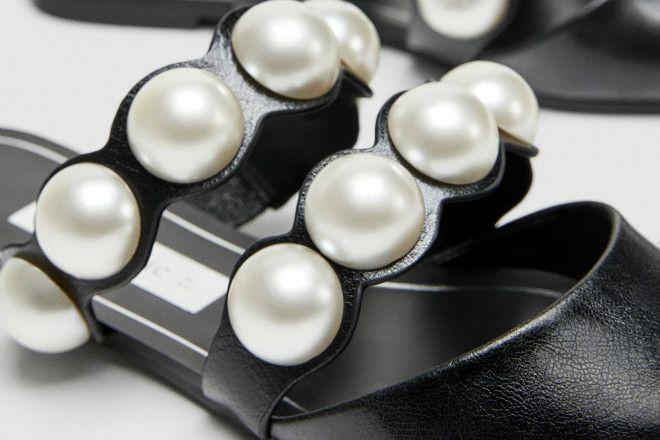92b35dc88767a Buty na płaskiej podeszwie z odkrytą piętą i sztucznymi perłami Zara ...