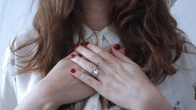 kolor paznokci, który kręci facetów