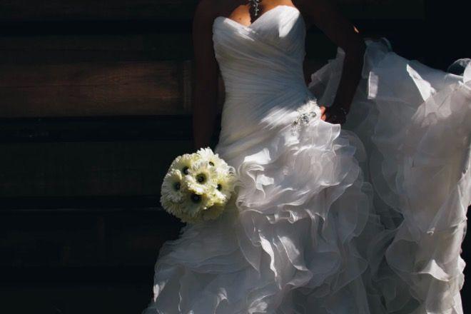 brzydka suknia ślubna