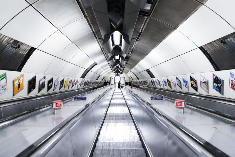 zachowanie pasażerów metra