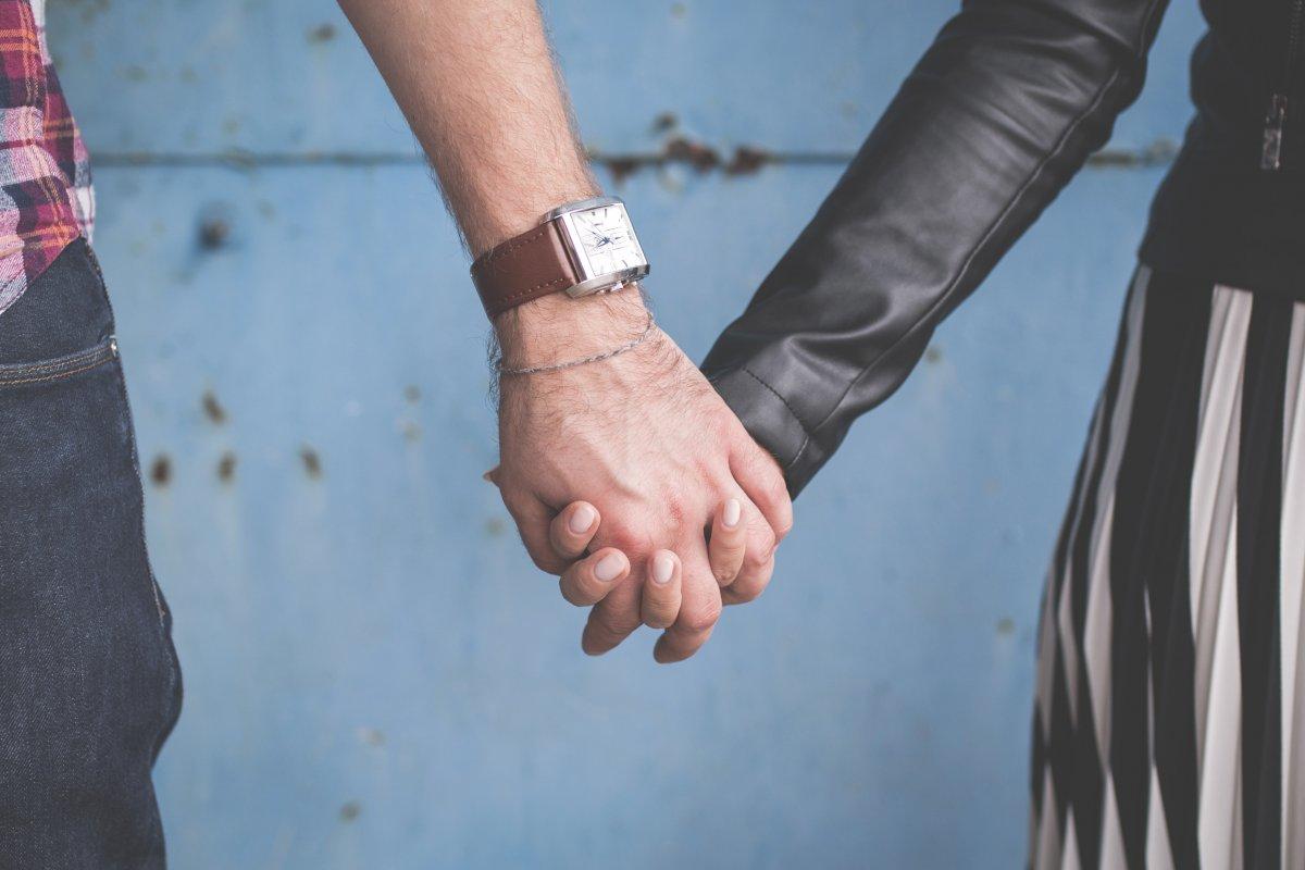Pamiętaj, że portale randkowe to tylko sposób na poznanie dziewczyny i umówienie z nią spotkania, budowanie prawdziwej relacji zaczyna się dopiero na.