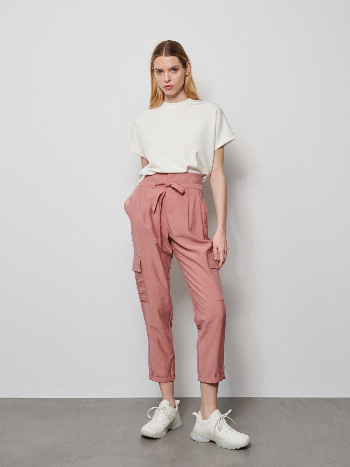 różowe spodnie cargo
