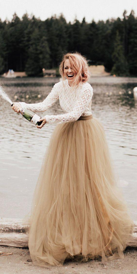 beżowa suknia  ślubna