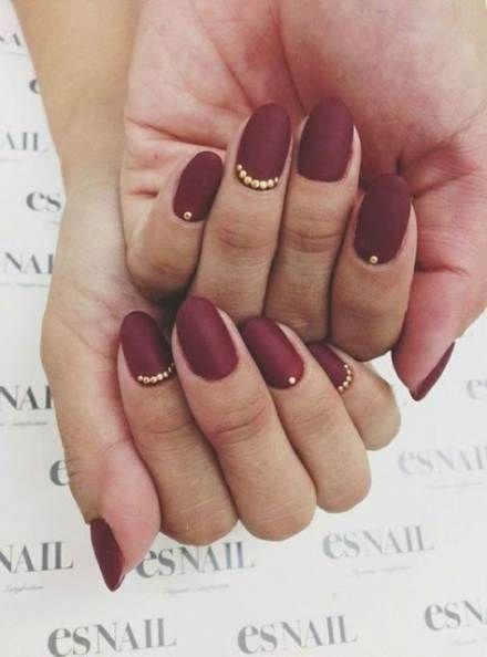 czerwony manicure ślubny