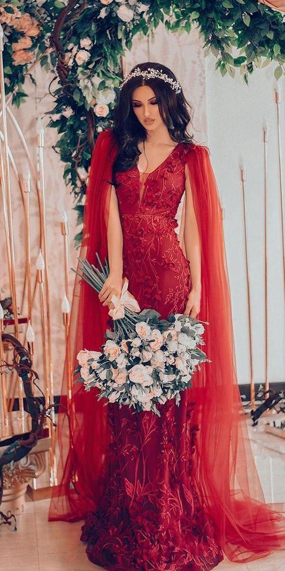 czerwona suknia ślubna