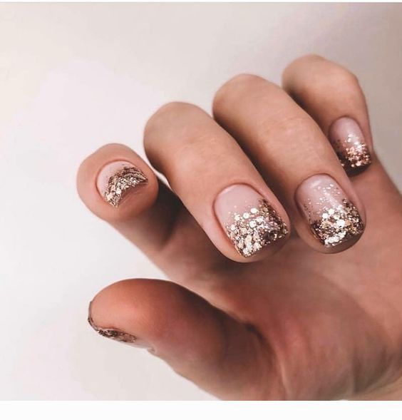 brokatowy manicure ślubny